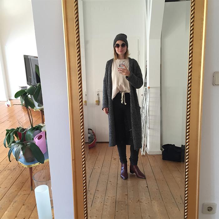 selfie_spiegel_acne_jensen_berlin